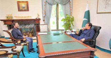 Pm Imran khan meet with md pakistan Bait-Ul-Mal Mr Aon Abbas Bapi